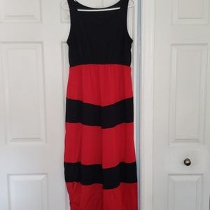Super comfortable black and red maxi dress